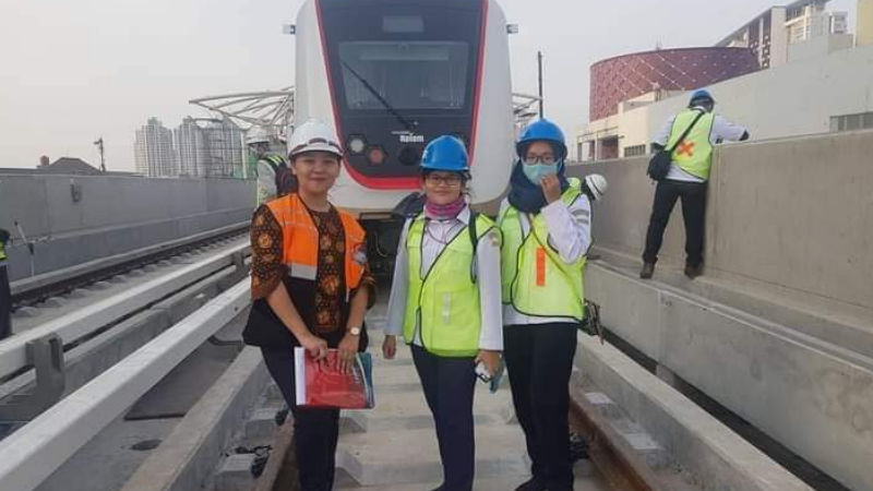Insan Muda Ahli Konstruksi Jembatan Sekaligus Konsultan PT LRT Jakarta